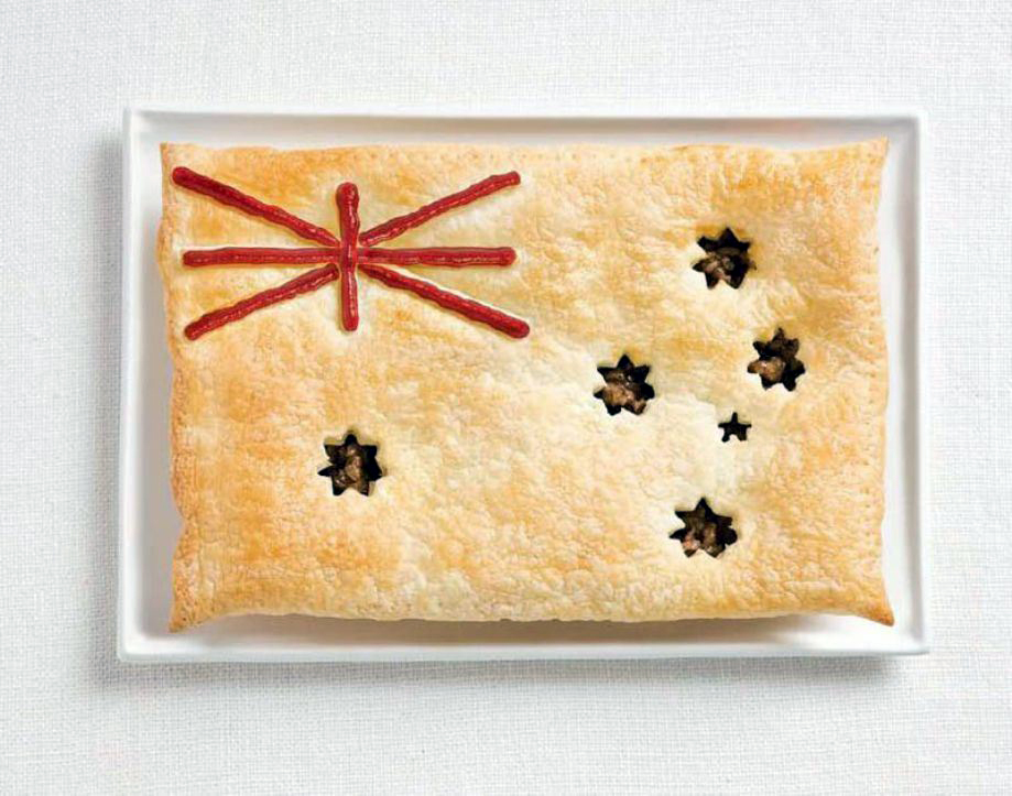 AUSTRALIA – Meat pie, sauce