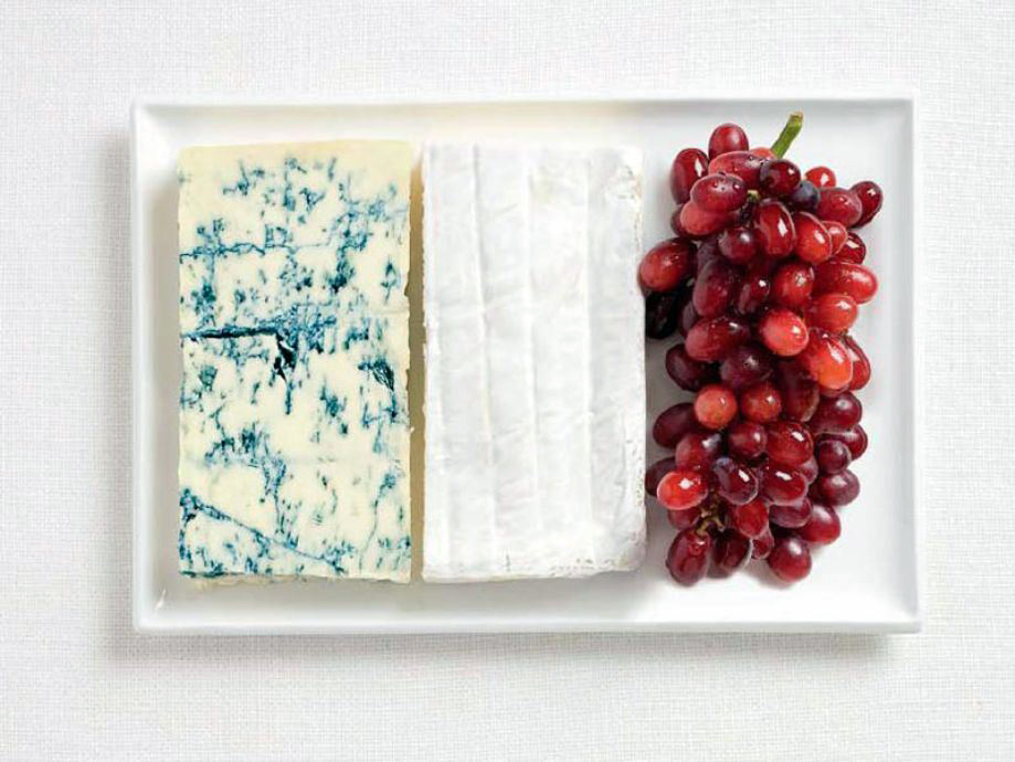 FRANCE – Blue cheese, brie, grapes