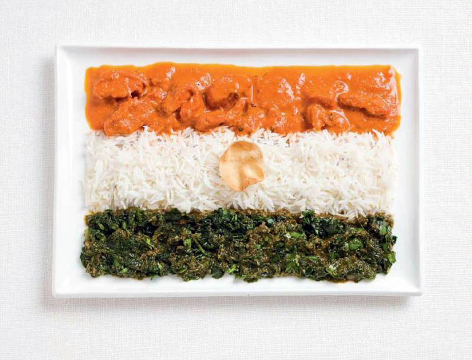 INDIA – Curries, rice, pappadum wafer